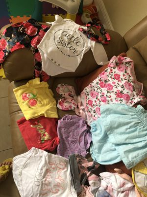 10 piece baby girl clothing 3-6 m for Sale in Miami, FL