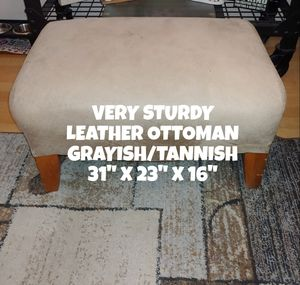 LARGE, LEATHER OTTOMAN for Sale in Glendale, AZ