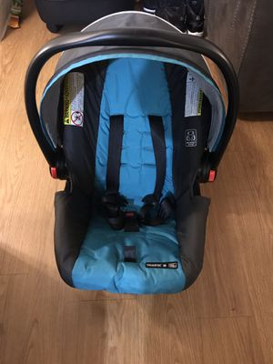 Graco Snugride 30 (Infant Car Seat) for Sale in Oakland, CA