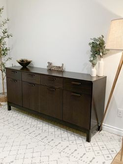 Gorgeous Buffet Dresser Cabinet for Sale in Auburn,  WA