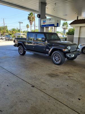2020 Jeep Gladiator Overland 4x4 for Sale in Cypress, CA
