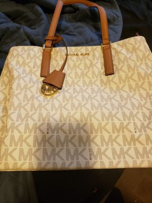 Michael Kors handbag for Sale in Seaford, DE
