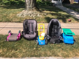 Free car seats / kids items for Sale in West Hartford, CT