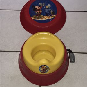 Mickey mouse Kids Toilet for Sale in West Palm Beach, FL