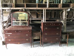 Antique bedroom set for Sale in Mount Vernon, WA