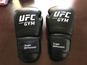 UFC gym black 16 Oz boxing gloves for Sale in Orlando, FL