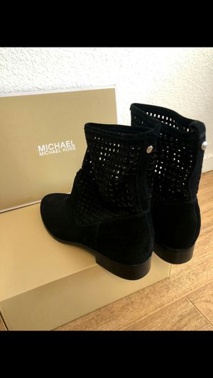 NEW Michael Kors Graham Boots for Sale in San Bruno, CA