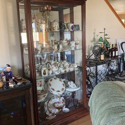 Curio Cabinet for Sale in Tacoma,  WA