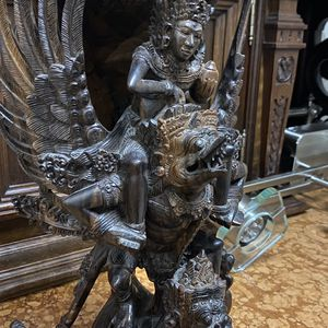 Rosewood Decor Statue for Sale in West Palm Beach, FL