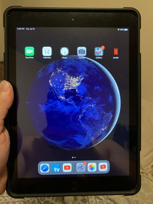 iPad 6th for Sale in The Bronx, NY