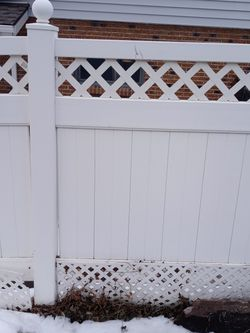 4 Ft Vinyl Fencing White 100+ft for Sale in Wheat Ridge,  CO