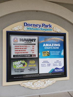 5 Dorney Park Tickets for Sale in W CNSHOHOCKEN, PA