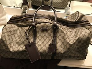 Gucci duffle bag for Sale in Houston, TX