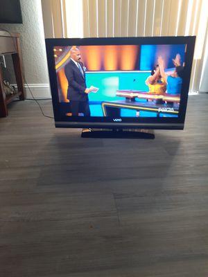32in Vizio tv for Sale in Fresno, CA