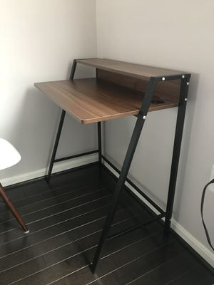 Desk for Sale in Gainesville, VA