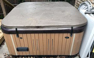 Free hot tub. You pick up! for Sale in San Antonio, TX