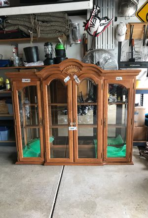 MADE IN USA. Solid oak china cabinet top for Sale in Columbus, OH