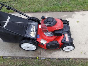 Troy-Bilt -Self powerd_with bag for Sale in Santa Ana, CA