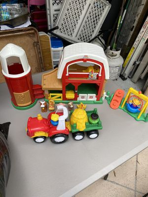 Fisher Price Noisy Barn, tractor, and people for Sale in Coral Springs, FL