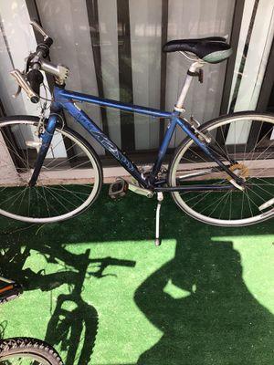 Aluminum street bike unisex for Sale in Phoenix, AZ