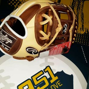 Limited Edition Rawlings Heart of the Hide 11.5inch for Sale in Riverside, CA