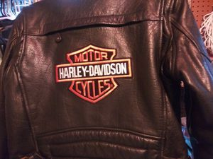 Harley davidson womans jacket for Sale in Maplewood, MN