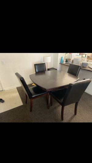 Dining table set excellent condition for Sale in Irvine, CA