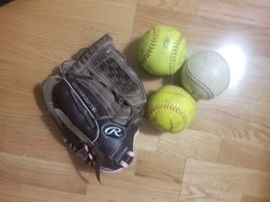 Softball Glove and Balls for Sale in Los Angeles, CA