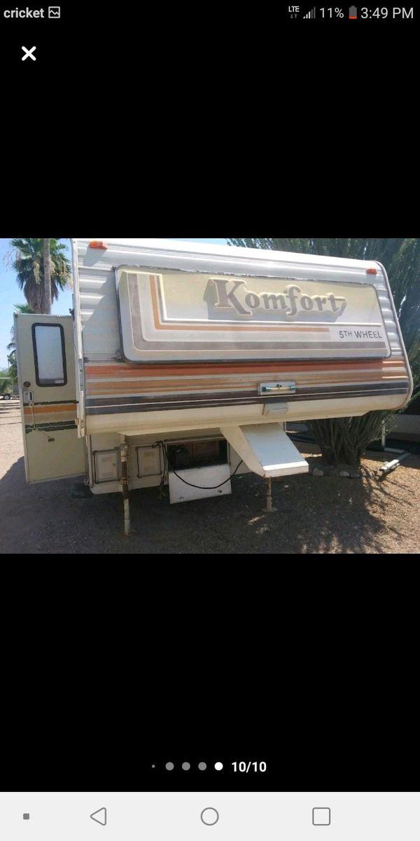 Komfort 5th Wheel Camper