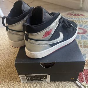 Jordan 1 Mids Youth Size 1.5 for Sale in Modesto, CA