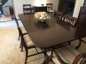 Antique Dining Room Table and Chairs for Sale in Columbus, OH