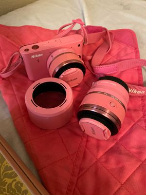 Nikon Pink Camera never been used comes with 2 lense charger and a battery for Sale in Kent, OH
