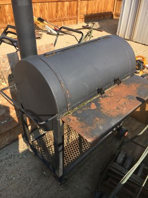 Charcoal BBQ for Sale in Sanger, CA