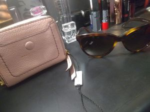 Original Marc Jacobs Wallet and Sunglasses for Sale in Compton, CA