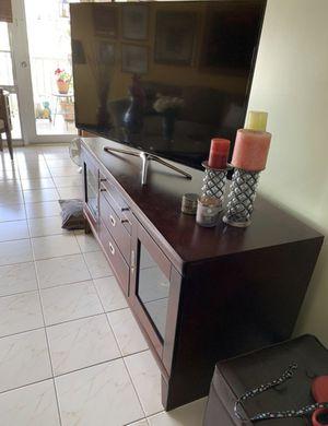 """Tv Console - Stand 65"""" / Consola de tv for Sale in North Miami, FL"""
