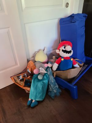 Pack n play and large stuffed animals for Sale in Larkfield-Wikiup, CA