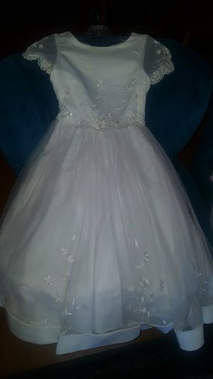 Beautiful new size 8 dress with amazing beadwork for Sale in Gilbert, AZ
