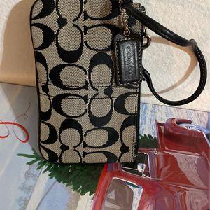 Coach Wristlet Wallet for Sale in Costa Mesa, CA