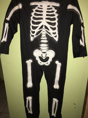 Skeleton boy costume M (8-10) for Sale in Chicago, IL