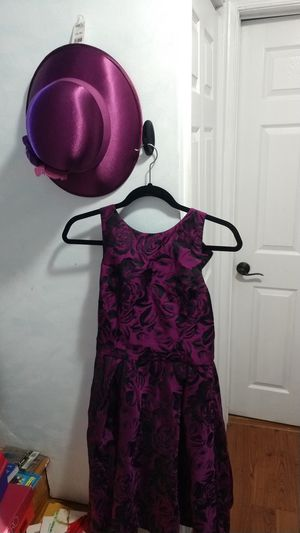 Size 8 Purple dress with hat outfit for Sale in Vienna, VA