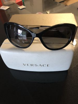 Authentic Versace Polorized Sunglasses for Sale in Los Angeles, CA