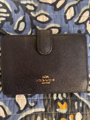 Coach Pebbled Leather Zip Wallet Navy Blue for Sale in Alexandria, VA