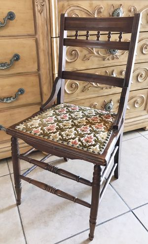 Antique Wood Chair for Sale in Las Vegas, NV