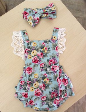 Baby girl outfit size 6, 12-18 months for Sale in Los Angeles, CA