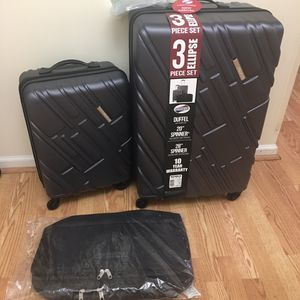 """New American touristic luggage set of 3 size in picture never been used 29""""+20"""" + duffel bag for Sale in Garner, NC"""