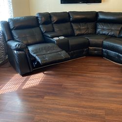 Black leather sofa sectional for Sale in Balch Springs,  TX
