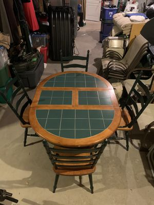 Dining Room Table (oval) with Butterfly Leaf for Sale in Eagle River, WI