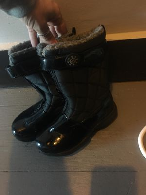 Totes Winter/Rain Boots Girls size 11c black/grey for Sale in East Providence, RI