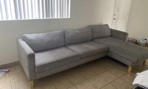 L shade couch for Sale in Buena Park, CA