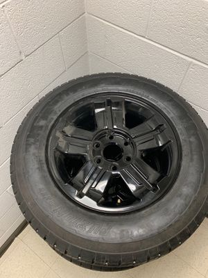 Z71 6 lug rims with tire for Sale in Washington, DC